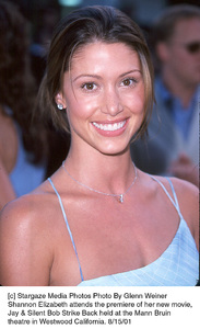 Shannon Elizabeth attends the premiere of her new movie, Jay & Silent Bob Strike Back held at the Mann Bruin theatre in Westwood California. 8/15/01. © 2001 Glenn Weiner - Image 19200_0120