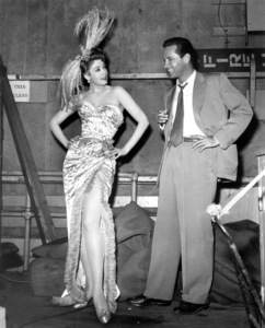 """Here Come the Girls""Arlene Dahl and William Holden on the set. 1953 Paramount / **I.V. - Image 19559_0001"