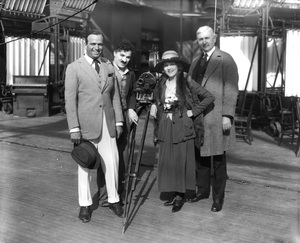 Douglas Fairbanks Sr., Charlie Chaplin, Mary Pickford and Oscar Price during the formation of United Artists1919** I.V. - Image 19560_0004