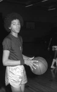 Foster Sylvers of The Sylvers at celebrity basketball game 1978 © 1978 Bobby Holland - Image 19575_0013