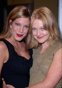 Azura Skye found a new friend in Tori Spelling at the premiere of her new film, Bandits held at the Mann Village theater in Westwood California. 10/04/01. © 2001 Glenn Weiner - Image 19588_0104