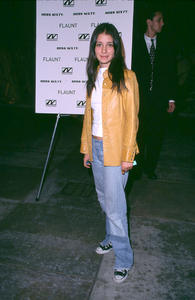 Shiri Appleby arrives at the world premiere of Donnie Darko held at the Egyptian theatre in Hollywood Ca. 10/22/01. © 2001 Glenn Weiner - Image 19647_0118