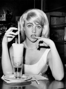 "Sue Lyon on the Premiere nightof ""Lolita."" 1962 MGM / **I.V. - Image 19687_0002"