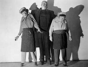 """Abbott and Costello Meet Frankenstein""Bud Abbott, Glenn Strange, Lou Costello1948 UI - Image 19699_0001"