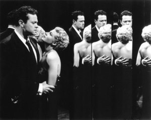 """""""Lady From Shanghai, The""""Orson Welles, Rita Hayworth1948 Columbia / **I.V. - Image 19700_0013"""