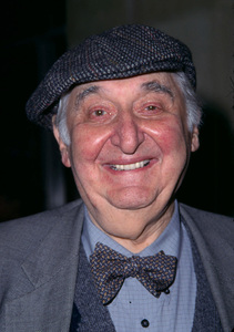 Fyvush Finkel at the Hollywood Christmas parade inHollywood California. 11/25/01 © 2001 Scott Weiner - Image 19710_0107