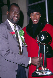 Michael Cooper and  Lisa Leslie at the Hollywood Christmas Parade 11/25/01 © 2001 Scott Weiner - Image 19710_0118