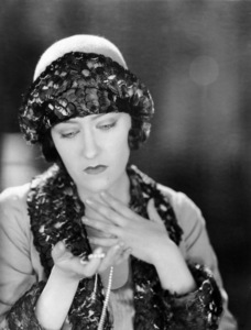 """Fine Manners""  Gloria Swanson1926 Paramount Pictures** I.V. - Image 19719_0003"