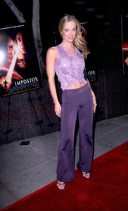 """The Impostor"" Premiere 12/4/01Jennifer Gareis in Westwood, California © 2001 Scott Weiner - Image 19746_0007"