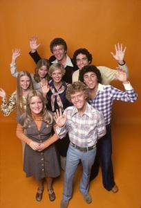 """The Brady Bunch Hour""Mike Lookinland, Christopher Knight, Barry Williams, Florence Henderson, Robert Reed, Maureen McCormick, Geri Reischl, Susan Olsen1977** H.L. - Image 19759_0008"
