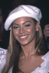 Beyonce Knowles at the 44th annual Grammy awards nominations Beverly Hilton Hotel Beverly Hills California 1/4/02. © 2002 Glenn Weiner - Image 19782_0104