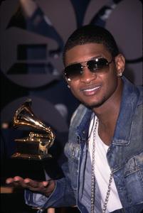 """Grammy Nomination Awards: 44th Annual"" 1/04/02Usher Raymond © 2002 Scott Weiner - Image 19782_0133"