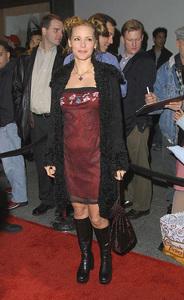 Deedee Pfeiffer attends the WB Network party held in Pasadena California 1/15/02 © 2002 Glenn Weiner - Image 19805_0114