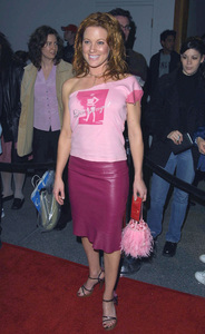 Elisa Donovan arrives at the WB Network Party in Pasadena California 1/15/02 © 2002 Glenn Weiner - Image 19805_0118