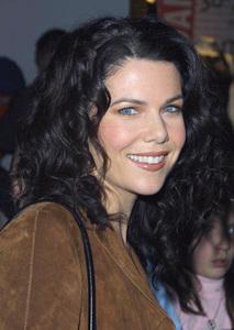 Lauren Graham attends the WB Network party in Pasadena California 1/15/02 © 2002 Glenn Weiner - Image 19805_0123