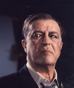 """X""(The Man With X-Ray Eyes)Ray Milland © 1963 AIP**I.V. - Image 19806_0005"