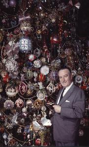 Harold Lloyd in front of his Christmas tree, 1950. © 1978 Paul HesseMPTV - Image 198_600