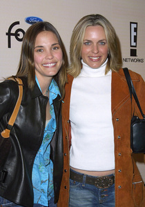 Leslie Bibb and her friend Arianne Zuckerat the Sizzlin Sixteen 2002 party in Hollywood California 1/30/02. © 2002 Glenn Weiner - Image 19855_0100
