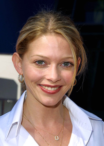 Amanda Detmer arrives at the premiere of her new film, Big Fat Liar. The premiere was held at the Lowes theater in Universal City California 2/2/02. © 2002 Glenn Weiner - Image 19856_0108