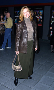 Sharon Lawrence arrives at the Premiere of Scotland PA. Held at the GCC Galaxy theater in Hollywood California 2/4/02. © 2002 Glenn Weiner - Image 19857_0120