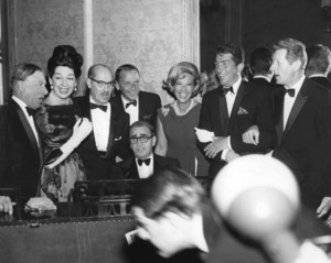 """""""Screen Producers Guild Awards"""" 1963 at the Beverly Hilton Hotel / Irving Berlin, George E. Jessel, Rosalind Russell, Groucho Marx, Frank Sinatra, Dinah Shore, Dean Martin, Danny Kaye ** I.V. - Image 20016_0001"""