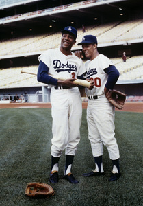 Willie Davis and Maury Willscirca 1971 © 1978 Ed Thrasher - Image 20022_0001