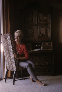 Lola Albright at homeNovember 1965© 1985 Gene Trindl - Image 2008_0019