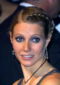 """""""Vanity Fair Oscar Party 2002"""" 3/24/02Gwyneth Paltrow © 2002 Glenn Weiner - Image 20112_0116"""