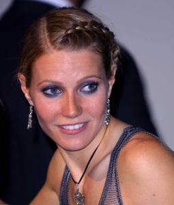 """""""Vanity Fair Oscar Party 2002"""" 3/24/02Gwyneth Paltrow © 2002 Glenn Weiner - Image 20112_0117"""