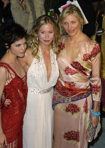 """Vanity Fair Oscar Party 2002"" 3/24/02Selma Blair, Christina Applegate, Cameron Diaz © 2002 Glenn Weiner - Image 20112_0170"