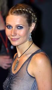 """""""Vanity Fair Oscar Party 2002"""" 3/24/02Gwyneth Paltrow © 2002 Glenn Weiner - Image 20112_0190"""