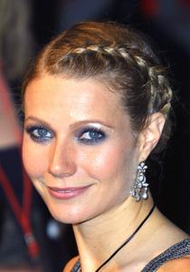 """""""Vanity Fair Oscar Party 2002"""" 3/24/02Gwyneth Paltrow © 2002 Glenn Weiner - Image 20112_0191"""