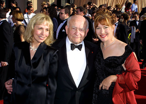 """""""Screen Actors Guild (SAG) Awards: 8th Annual"""" 3/10/02Ed Asner with daughters Cindy and Kate © 2002 Glenn Weiner - Image 20113_0113"""