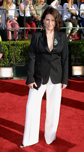 """Screen Actors Guild (SAG) Awards: 8th Annual"" 3/10/02 Megan Mullally © 2002 Glenn Weiner - Image 20113_0163"