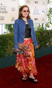 """IFP/West Independent Spirit Awards 2002""3/23/02 Gillian Anderson © 2002 Glenn Weiner - Image 20118_0115"