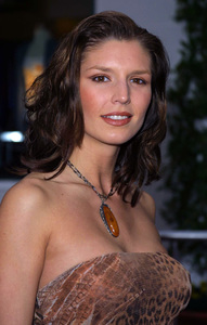 """The Scorpion King"" Premiere 4/17/02Nina Kaczorowski © 2002 Glenn Weiner - Image 20119_0125"