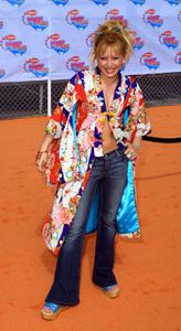 """Kids Choice Awards 2002: 15th Annual"" 4/20/02Hilary Duff © 2002 Glenn Weiner - Image 20120_0126"