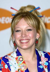 """Kids Choice Awards 2002: 15th Annual"" 4/20/02Hilary Duff © 2002 Glenn Weiner - Image 20120_0127"
