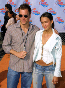 """Kids Choice Awards 2002: 15th Annual"" 4/20/02Jessica Alba and boyfriend Michael Weatherly © 2002 Glenn Weiner - Image 20120_0129"