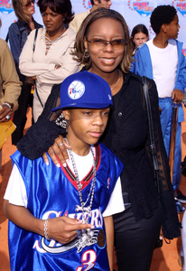 """""""Kids Choice Awards 2002: 15th Annual"""" 4/20/02Lil Bow Wow and his mom © 2002 Glenn Weiner - Image 20120_0139"""