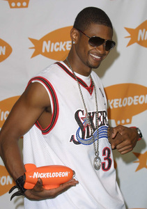 """Kids Choice Awards 2002: 15th Annual"" 4/20/02Usher © 2002 Glenn Weiner - Image 20120_0168"