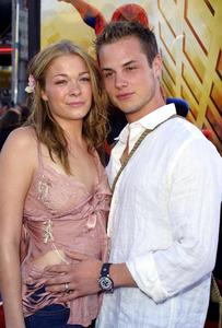 """Spider-man"" Premiere 4/29/02LeAnn Rimes and husband Dean Sheremet © 2002 Glenn Weiner - Image 20129_0148"