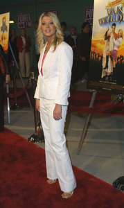 """""""Van Wilder"""" Premiere 4/01/02Tara Reid © 2002 Glenn Weiner - Image 20141_0143"""