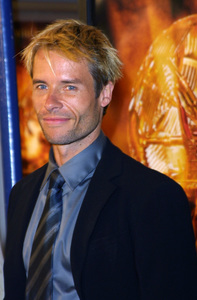 """The Time Machine"" Premiere 3/04/02Guy Pearce © 2002 Glenn Weiner - Image 20143_0104"