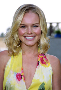 """""""Young Hollywood Awards: 4th Annual"""" 5/5/02 Kate Bosworth © 2002 Glenn Weiner - Image 20155_0130"""