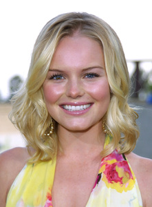 """""""Young Hollywood Awards: 4th Annual"""" 5/5/02 Kate Bosworth © 2002 Glenn Weiner - Image 20155_0131"""