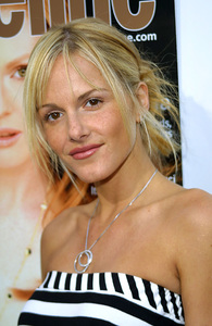"""""""Young Hollywood Awards: 4th Annual"""" 5/5/02 Monet Mazur © 2002 Glenn Weiner - Image 20155_0149"""