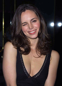 """The New Guy"" Premiere 5/7/02Eliza Dushku © 2002 Glenn Weiner - Image 20156_0123"