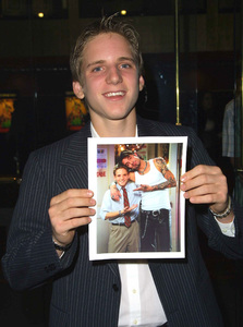 """""""The New Guy"""" Premiere 5/7/02Fred Midill © 2002 Glenn Weiner - Image 20156_0125"""