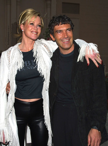"""Alma Awards 2002: 7th Annual"" 5/18/02Melanie Griffith and husband Antonio Banderas © 2002 Glenn Weiner - Image 20178_0151"